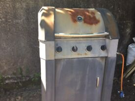 Barbecue foe sale. Needs a bit of tlc but works fine