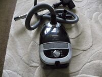 MIELE VACUUM Cleaner>Excellent condition come with a turbo head and spare bags