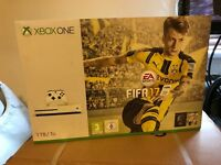 Brand new Xbox one s (1Tb Fifa 17 bundle) with extra controller