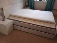 King Size Bed (206x165) with Mattress and Topper, mint condition