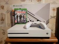 Xbox one S white with Division and pad immaculate condition