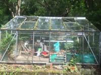 Greenhouse glass very large needs dismantling