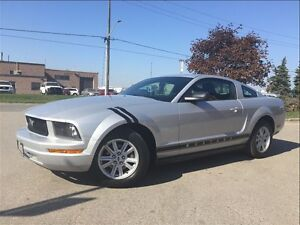 2005 Ford Mustang V6! CLEAN CARPROOF! AUTO!