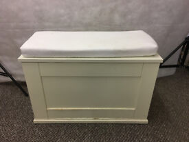 Small white wooden hinged chest with foam seat on top - STA21