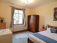 Large Double in Professional Houseshare 3min from Earlsfield Station