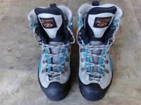 Ladies Scarpa Manta Pro winter mountain climbing boots size 5.5