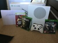 Xbox One S 500gb, Controller, Gears of war 4, Fallout 4 and Red Dead Redemption.