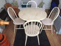 Lovely beech pine dining table with 4 chairs
