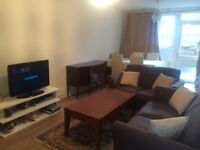Spacious one double bedroom flat with garden in Clapham junction Battersea fully furnished to rent