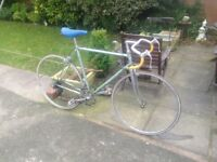 GENTS FRENCH ROAD RACEING TOURING BIKE 18 GEARS VERY LIGHT WEIGHT RIDES WELL