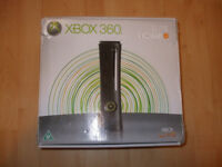 Xbox 360 elite + 10 games. Boxed, like new!