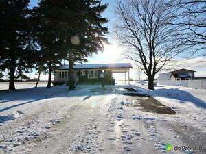 299 990$ - Bungalow à vendre à Valleyfield