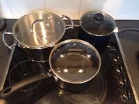 3 pots in good condition