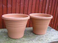 2 Large plastic Terracotta 25 black planters plant pots