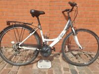 Beautiful and comfortable ladies town bike- good condition!