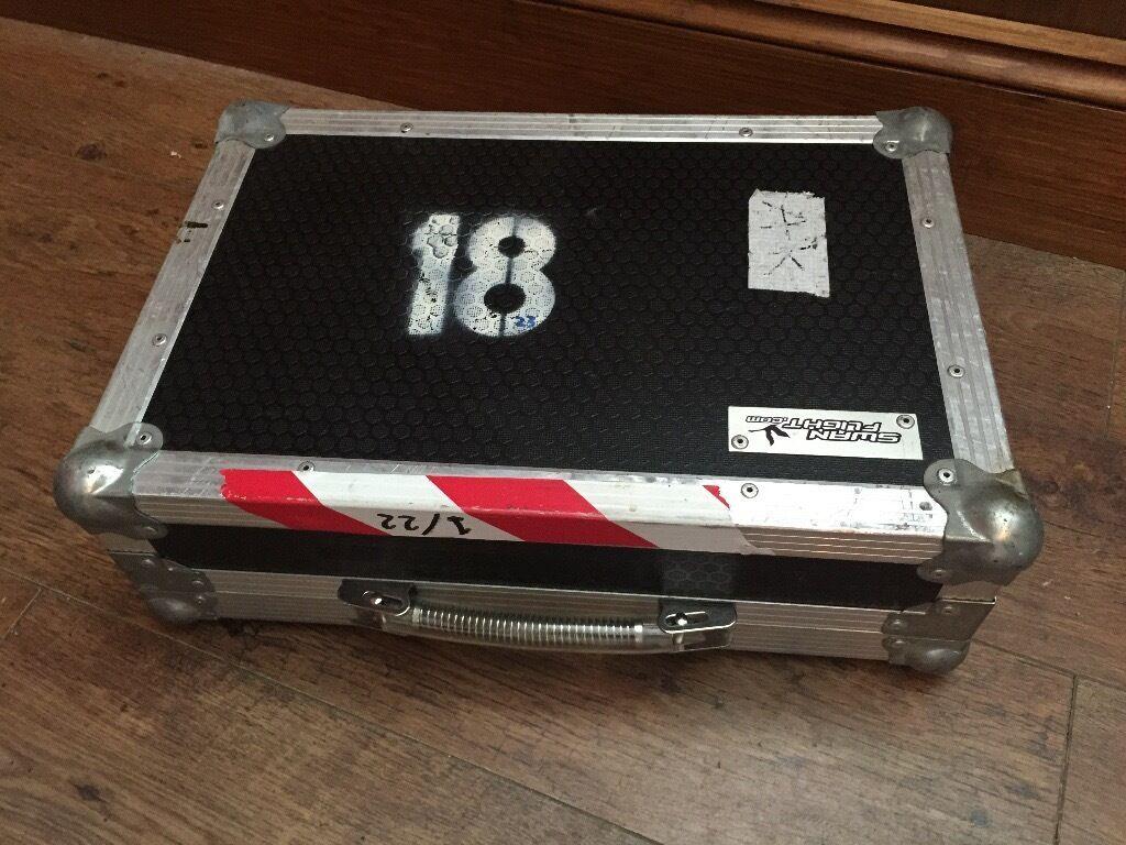 Swan Flight Pedal Board / Flight Case - approx 50cm x 34cm