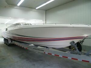 2009 Fountain Power Boats Lightning 42 Pieds -