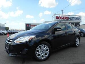 2013 Ford Focus SE - 5SPD - HTD SEATS - BLUETOOTH