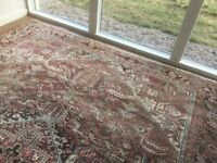 Beautiful Classic Rug - 2 Years Old - Hardly Used. 246 cm x 346 cm