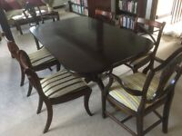 Large Wood Mahogany Dining Table & 6 Chairs Superb Condition (Delivery available)