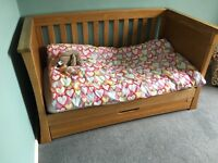 Mamas and Papas ocean cot bed and chest of drawers