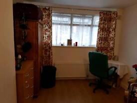 Large double Room in canning town