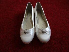 Wedding Shoes (Cream)