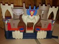 Imaginext castle with 4 figures