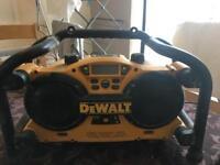 Dewalt Site Radio DC011