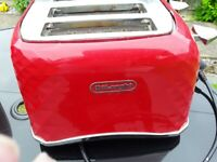 Red Delonghi Toaster