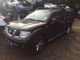 Nissan Navara Pickup 2005 - 2011 D40 2.5 dCi Aventura Double Cab Pickup 4dr black indicator breaking