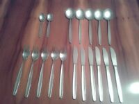 18 piece Set of stainless steel cutlery