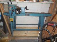 Woodturning lathe, Axminster APTC M900