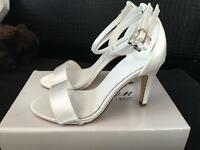 BRAND NEW: Wedding Shoes, Size 5