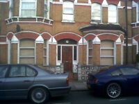 Double Room available in large clean 2bed Flat on Dafforne Road. 3mins walk to Tooting Bec Tube