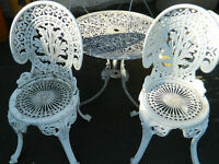 Wrought iron style garden table shabby-chic style and 2 chairs