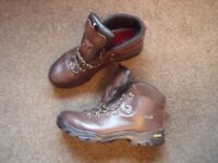 Gents size 12 Karrimore walking boots