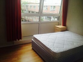 Clean and bright double room, 10min walk from Oxford circus.