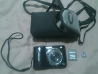 Samsung ES28 12.2MP Camera 8GB Card and Case