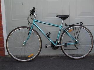 Two Metro Shogun SE Hybrid bicycles for sale (as pair or individually)