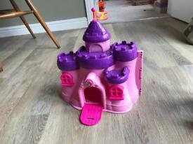 Princess castle with play people