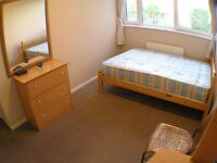 Surprisingly cheap double room next to LONDON BRIDGE