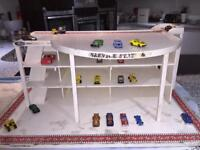 TOY CAR PARK VINTAGE CARS WOODEN KIDS PLAY OLD RARE