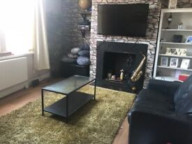 HOUSESHARE- 1 DOUBLE ROOM- FURNISHED HOUSE- 1 MILE FROM LEEDS CITY CENTRE