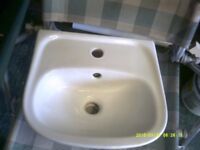 2 Small sinks
