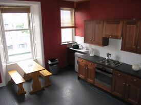 2 Double Bedroom 2 box room Furnished Top floor Flat Dundas Street Edinburgh City Center