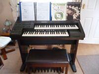 Yamaha Electone EL60 Organ. Excellent Condition.