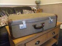 Vintage Retro Suitcase Chic Wedding Prop