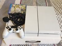 White Sony PS4 500gb with Fifa 17 and Driveclub