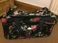 Small suitcase/cabin bag wheels and handle really good conditon